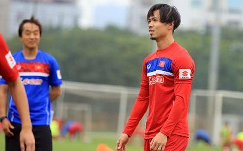 cong-phuong-tung-bi-bau-duc-cho-an-chao-chui-vi-de-nhung-kieu-toc-doc-la-khong-giong-ai-dqcJEK912