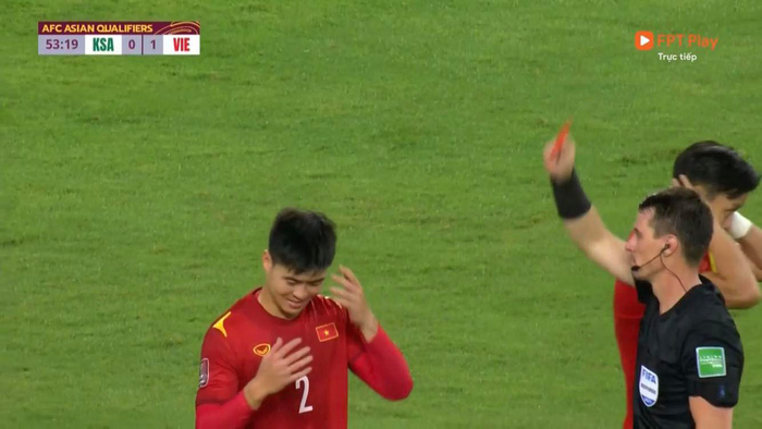 afc-len-tieng-giai-thich-ly-do-duy-manh-nhan-2-the-vang-roi-san