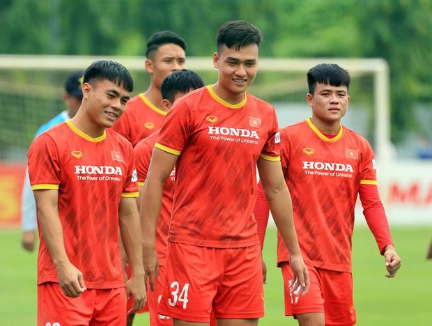 chuyen-gia-nen-dua-u22-da-aff-cup-de-dtqg-giu-suc-cho-vl-thu-3-world-cup-