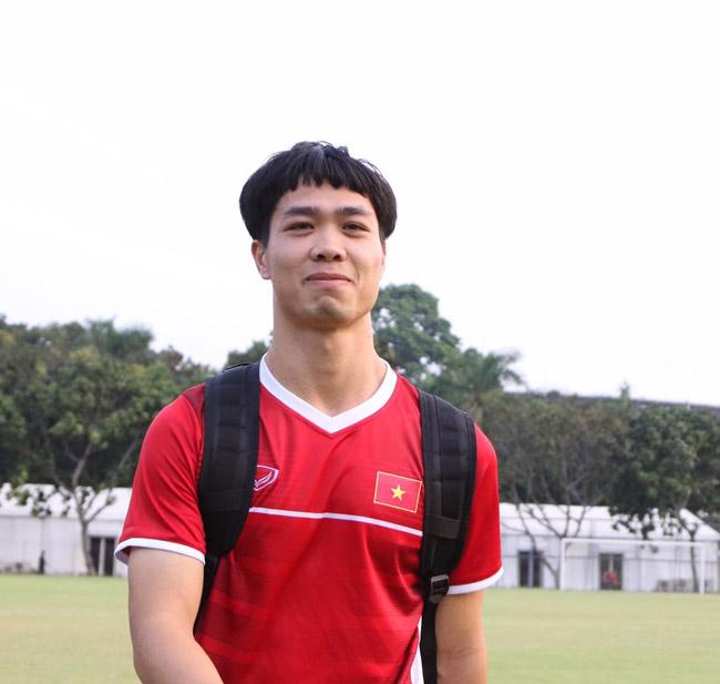 nhung-khoanh-khac-cute-lac-loi-cua-cong-phuong-khien-fan-muon-xiu-jpbTKE526