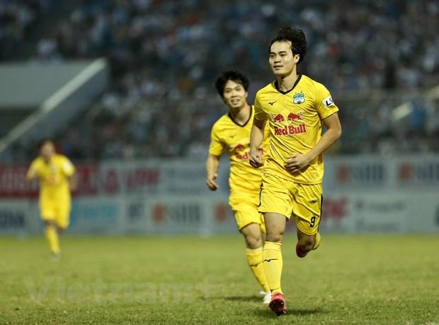 cong-phuong-van-toan-dan-dau-bxh-vua-pha-luoi-v-league-2021-