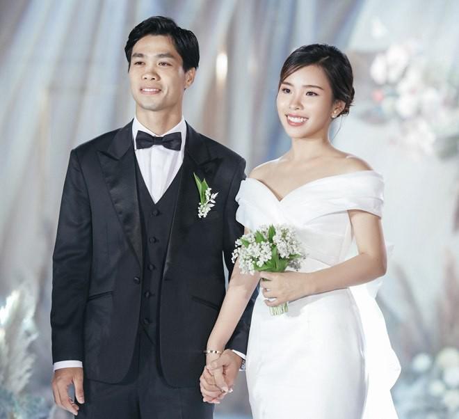 cong-phuong-xuan-truong-ban-than-nen-gu-chon-vo-cung-giong-nhau-9052232