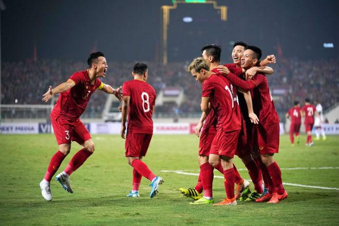 dt-viet-nam-duoc-fifa-tiep-them-dong-luc-lon-truoc-vong-loai-3-world-cup