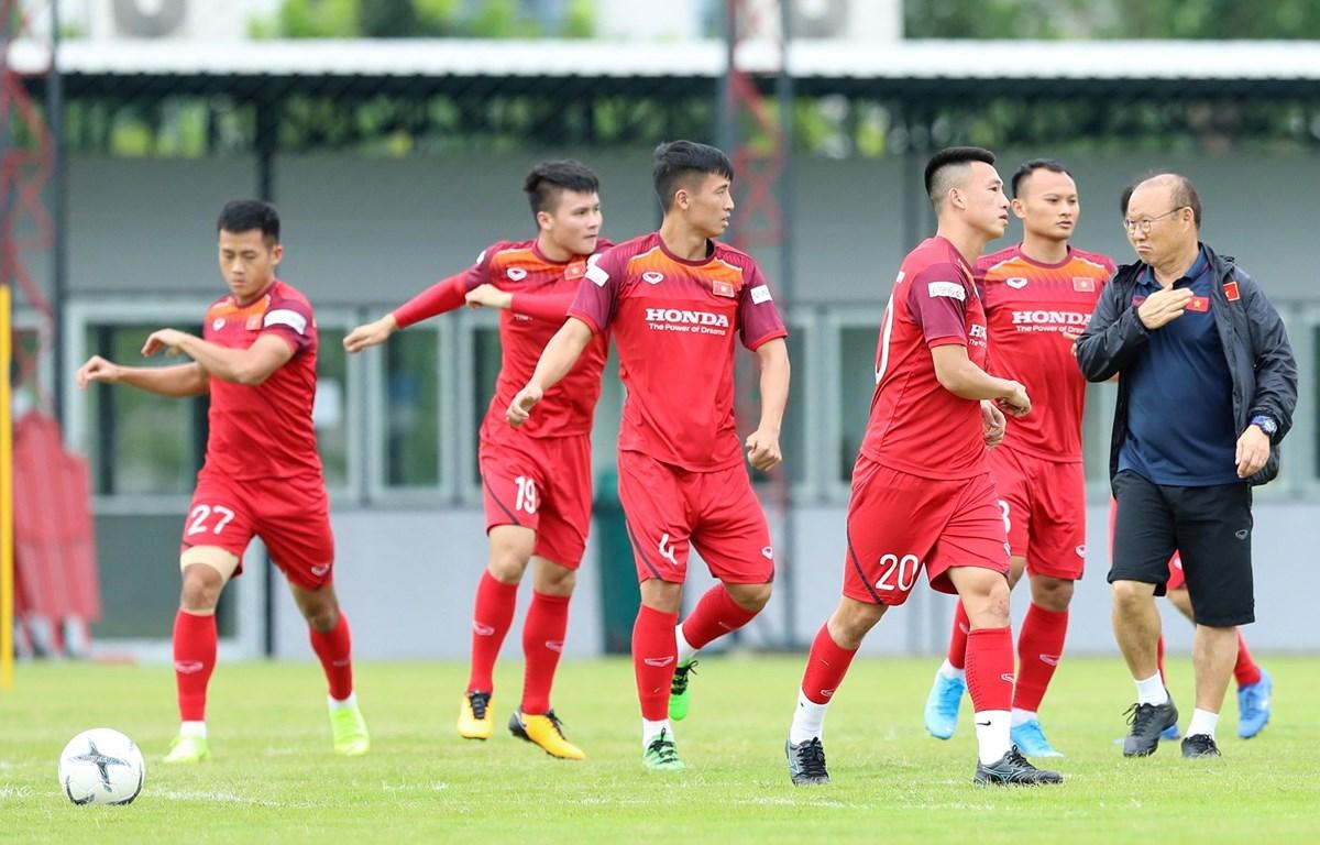 fifa-hoan-vong-loai-world-cup-2022-tuyen-viet-nam-lai-choi-dai-den-het-nam