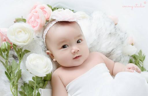 Mơ thấy bé gái sơ sinh