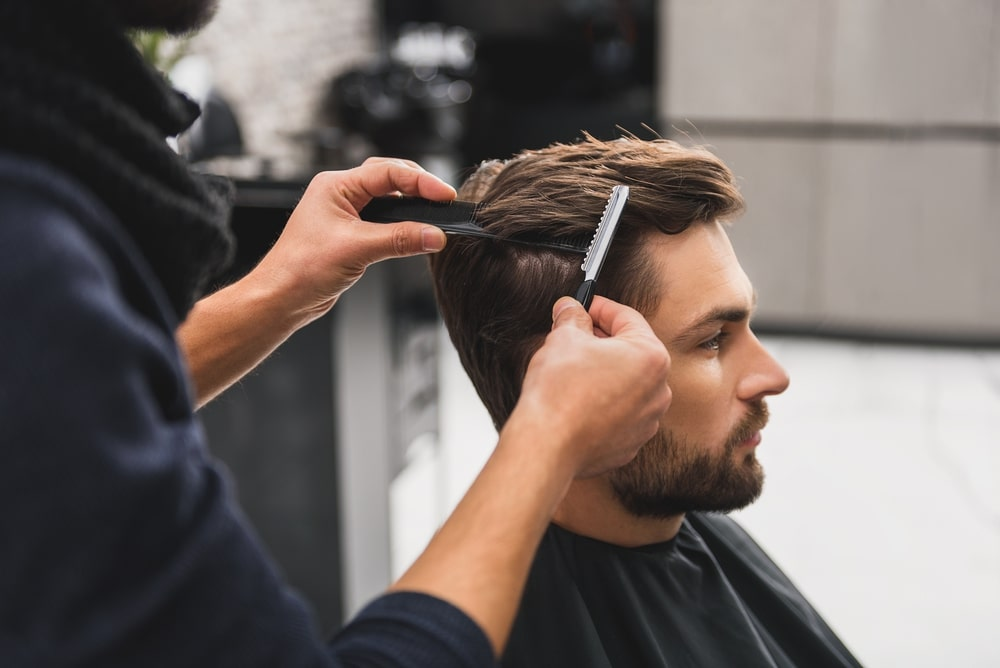 Mơ thấy cắt tóc nam