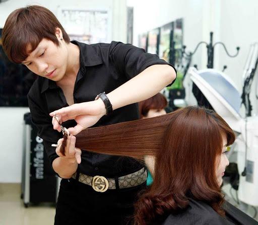 Mơ thấy cắt tóc nữ