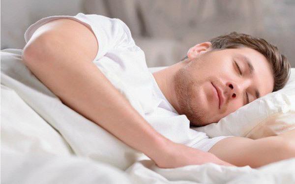 Mơ thấy đàn ông đang ngủ