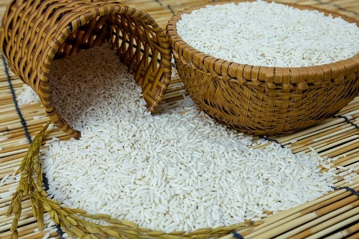 Mơ thấy gạo rơi vãi