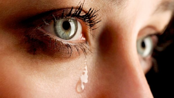 Mơ thấy mình chảy nước mắt vì điều hạnh phúc bất ngờ nào đó