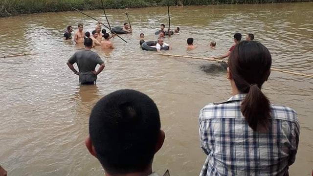 Mơ thấy mình chứng kiến hai người đàn ông chết đuối