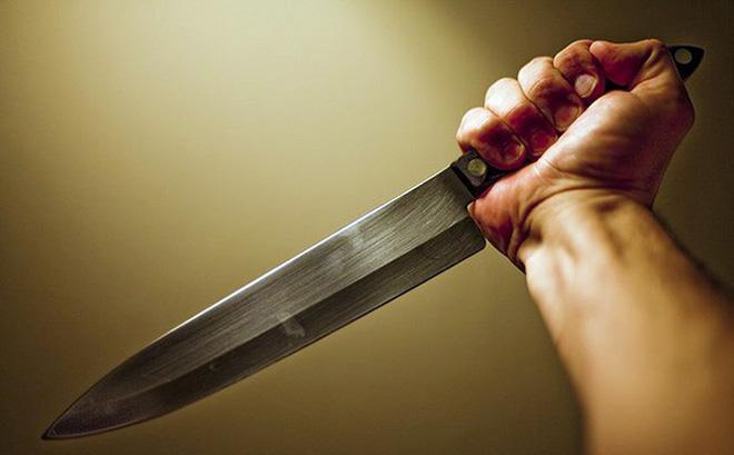 Mơ thấy mình đâm mũi dao về ai đó