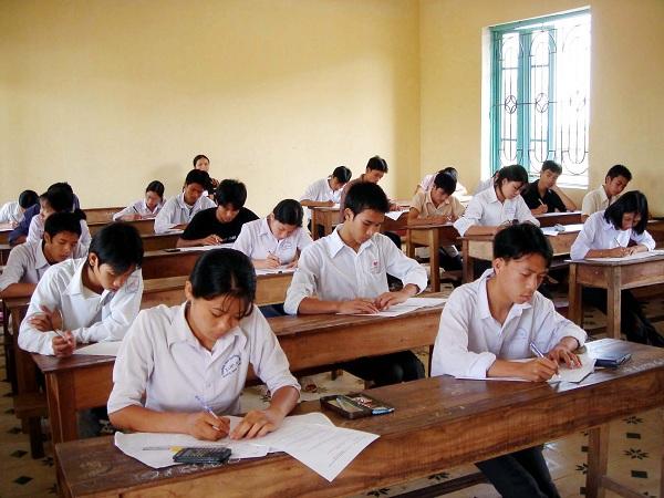 Mơ thấy mình làm bài thi hoặc bài kiểm tra