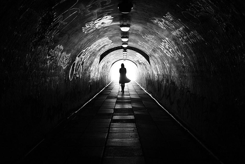 Mơ thấy mình ở dưới tầng hầm