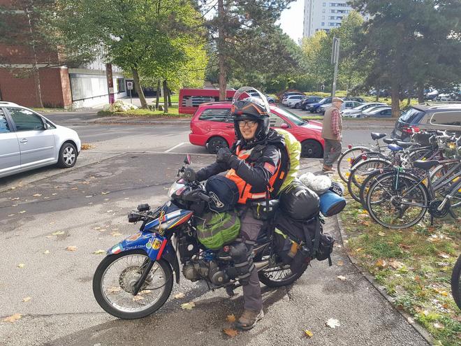 Mơ thấy nam đi xe máy