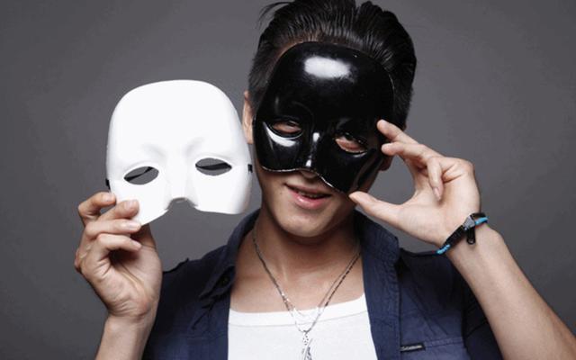 Mơ thấy người khác đeo mặt nạ