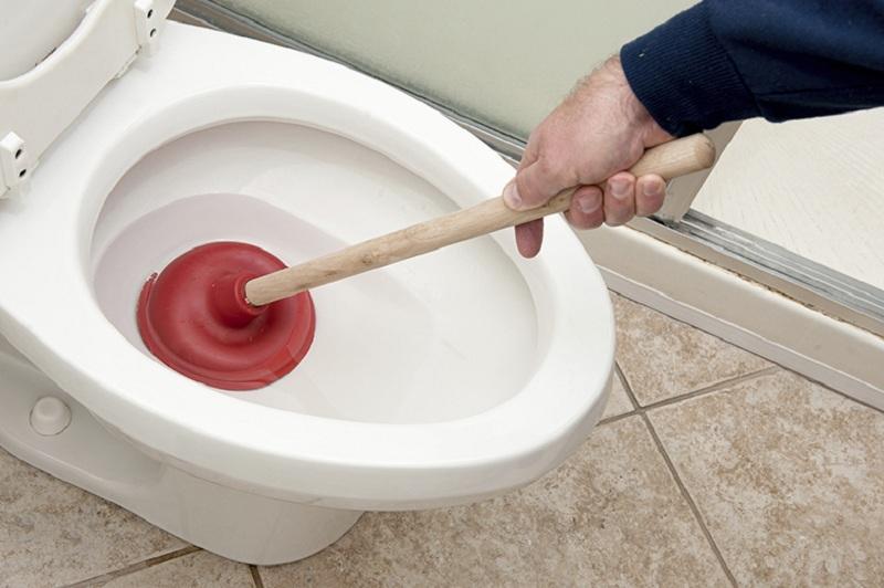 Mơ thấy nhà vệ sinh bị tắc
