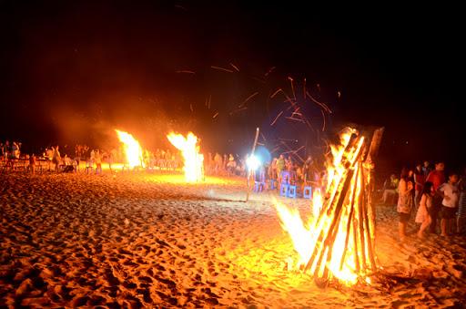 Mơ thấy nhiều đống lửa cháy
