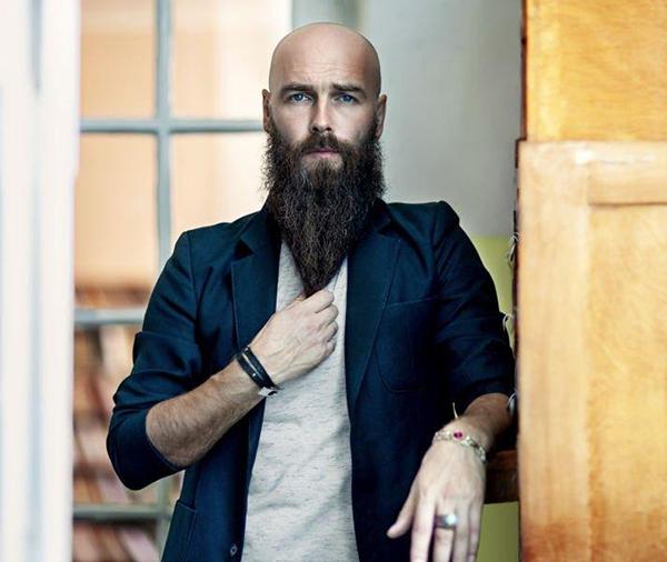 Mơ thấy râu đen mượt và mọc đều