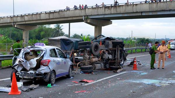 Mơ thấy tai nạn ô tô có người chết