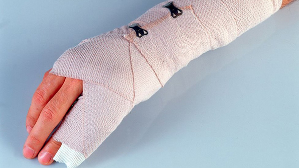 Mơ thấy tay mình bị thương
