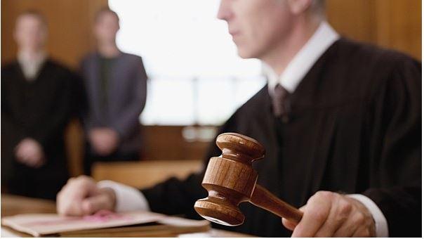 Mơ thấy thẩm phán quan tòa