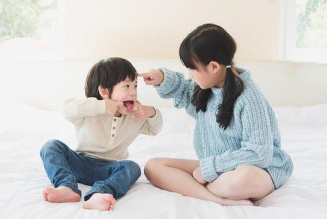 Mơ thấy trẻ con cãi nhau