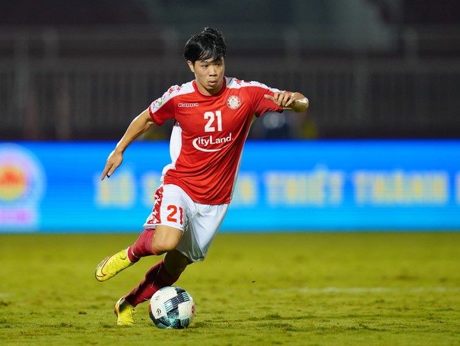 cong-phuong-lot-top-ung-cu-vien-hang-dau-cua-danh-hieu-vua-pha-luoi-v-league-2020-4478566