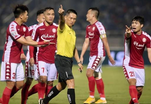 NHM vô cùng tức giận trước những quyết định của ban trọng tại tại V-league