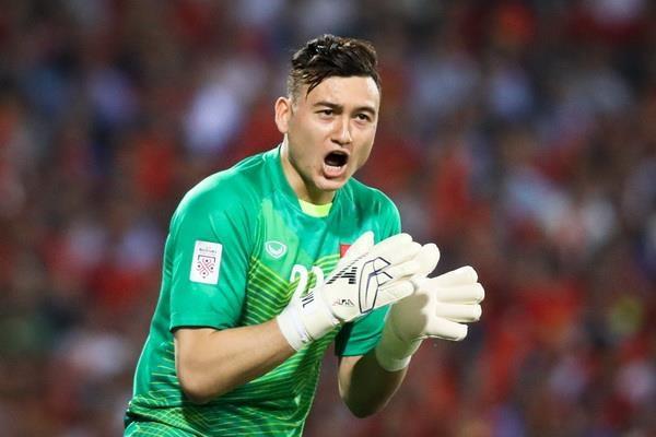 van-lam-dat-phong-do-cao-san-sang-cung-tuyen-viet-nam-chinh-phuc-vong-loai-world-cup