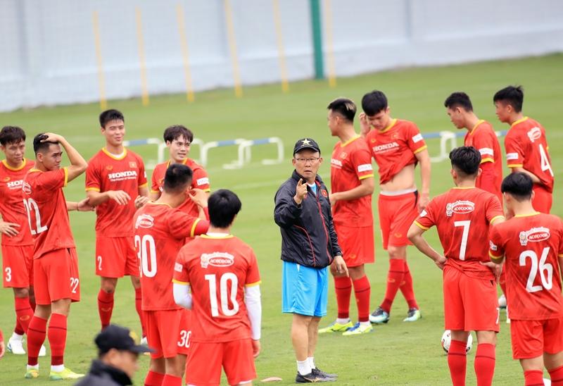 viet-nam-nguy-co-cao-khong-duoc-da-san-nha-o-vong-loai-world-cup-2022-vi-covid-19